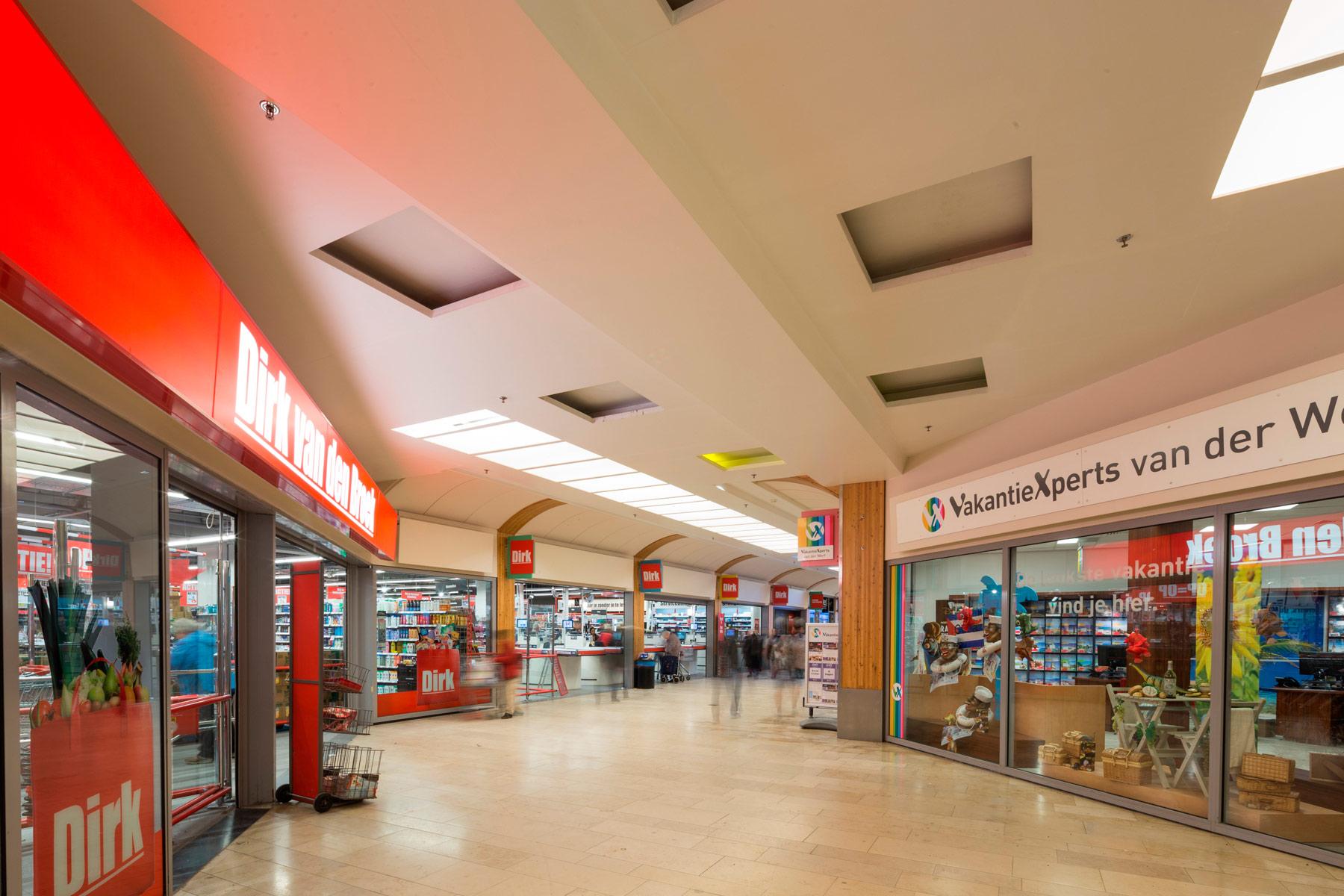 schildersbedrijf-westland-winkelcentrum-binnen
